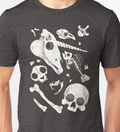 black Skulls and Bones - Wunderkammer Unisex T-Shirt