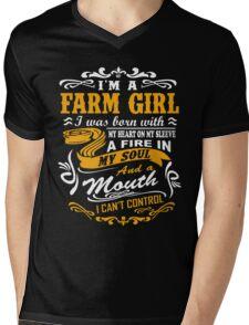 I'm a farm girl T-shirt Mens V-Neck T-Shirt