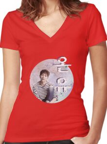 ONEW Women's Fitted V-Neck T-Shirt