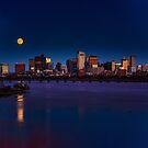 Rising super moon in Boston. by LudaNayvelt