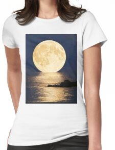 Supermoon 2016 Womens Fitted T-Shirt