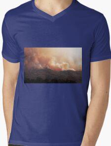 Black Bart Wildfire near Lake Mendocino Mens V-Neck T-Shirt