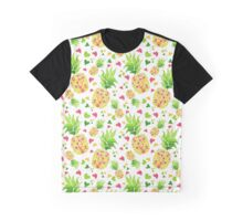 I love pineapples! Graphic T-Shirt
