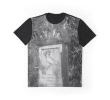 rooster grave  Graphic T-Shirt
