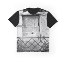 old graves Graphic T-Shirt