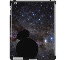 Star Wars VII. BB8 siluette in the space iPad Case/Skin