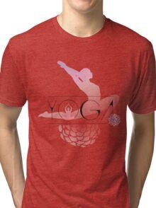 yoga namaste indien sport meditation rose pink blume hund budda Tri-blend T-Shirt