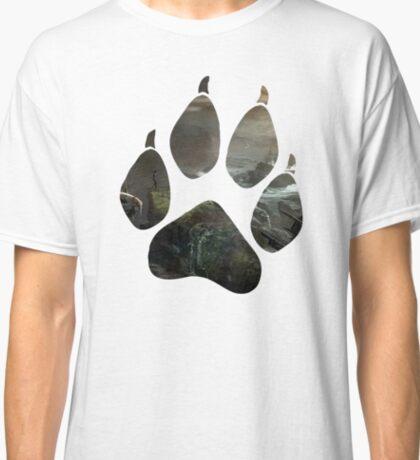 Lara Croft Stranded (Paw) Classic T-Shirt