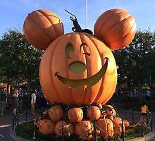 Halloween time at Disneyland  by Disneyland1901