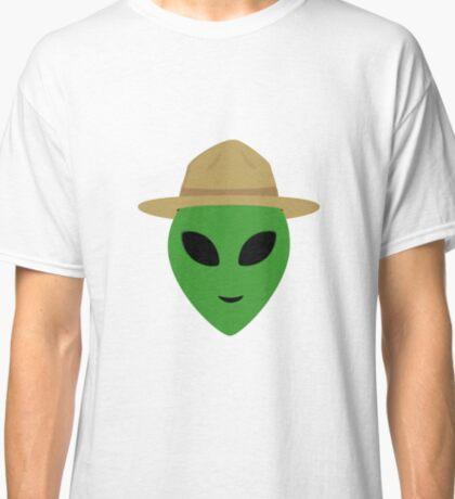 Alien with park ranger hat Classic T-Shirt