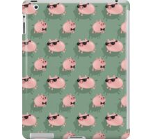 Pigs on green iPad Case/Skin