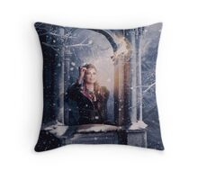 OUAT Holidays 2016 / The Queen Throw Pillow