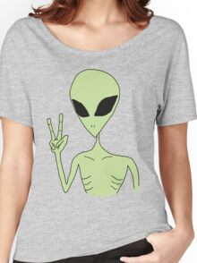 peace alien Women's Relaxed Fit T-Shirt