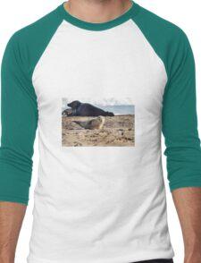 Baby Seal Winking Men's Baseball ¾ T-Shirt