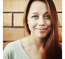 Young beautiful woman smiling Photographic Print