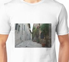 Street in Assisi with stone buildings and flowers Unisex T-Shirt