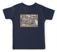 1589 - Ortelius - Maris Pacifici Kids Tee