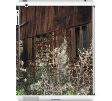 Tall Grass, Old Barn iPad Case/Skin