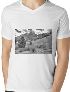 Maroon Bells Monochrome Mens V-Neck T-Shirt