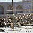 Masjed-e Shah restoration - scaffold construction by Marjolein Katsma