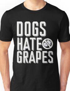 Dogs hate grapes Xmas Shirt Unisex T-Shirt