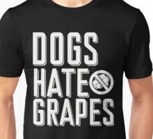 Dogs hate grapes Xmas Shirt Unisex T-Shirt