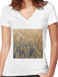 Common Wheat Women's Fitted V-Neck T-Shirt