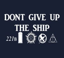 Don't Give Up The Ship  by Hjarema18