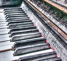 Old Piano by AlexFHiemstra