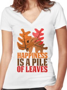 HAPPINESS IS A PILE OF LEAVES Women's Fitted V-Neck T-Shirt