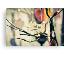 Pick me message on small wood board, vintage concept Canvas Print