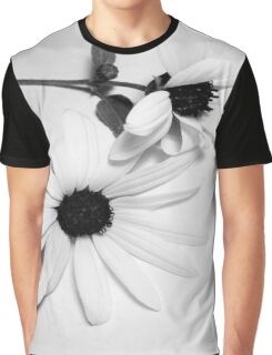 Black and White. The Daisy Graphic T-Shirt