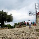 Visiting Daudet's Mill at Fontvieille by bubblehex08