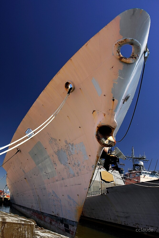 Rusting Hull by cclaude