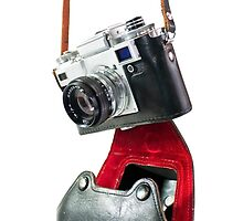 camera in red-black case by bashta