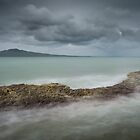 Narrow Neck Beach by Ian Rushton