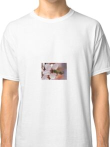 bee on flowers Classic T-Shirt