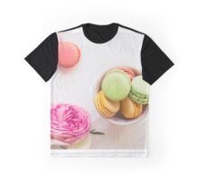 macarons with rose petals Graphic T-Shirt