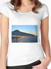 Umbrella at sunset in front of the sea Women's Fitted Scoop T-Shirt