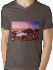 Giant's Causeway , Co Antrim , Northern Ireland Mens V-Neck T-Shirt