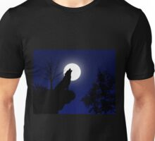 Howling wolf at night Unisex T-Shirt