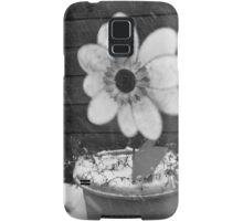 Flowers in the Snowstorm Samsung Galaxy Case/Skin