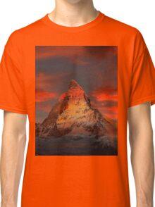 Beautiful Red Sky Matterhorn in Switzerland Classic T-Shirt