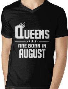 Queens are born in august Mens V-Neck T-Shirt