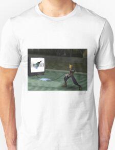 Cloud plays FFVII T-Shirt