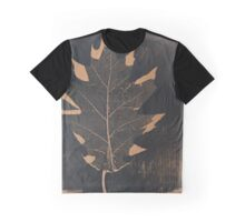 Maple Leaf Graphic T-Shirt