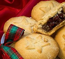Mince Pies by Ellesscee