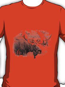 Bull Moose. Wildlife Moose. Moose Antlers. Canadian Moose. Alaskan Moose. T-Shirt