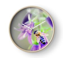 Bee on Time - Abstract Clock