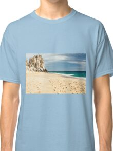 Footsteps in the beach of Cabo San Lucas, Mexico Classic T-Shirt